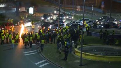 """Tweede nacht op rij relletjes in Charleroi: """"Hun doel is om winkels te plunderen"""""""