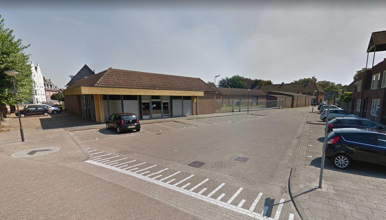 De leegstaande winkel van de Boerenbond, later Welkoop, gaat in Moergestel plaatsmaken voor woningbouw. 'Korenkwartier' wordt de naam van het nieuwe wijkje.