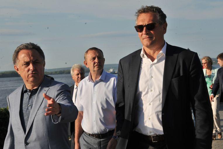 Valcke aan de zijde van Vitaly Mutko (uiterst links), de Russische minister van Sport.