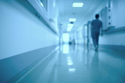 Ex-werknemer ziekenhuis aan de haal met loper: 140.000 euro om alle sloten te vervangen