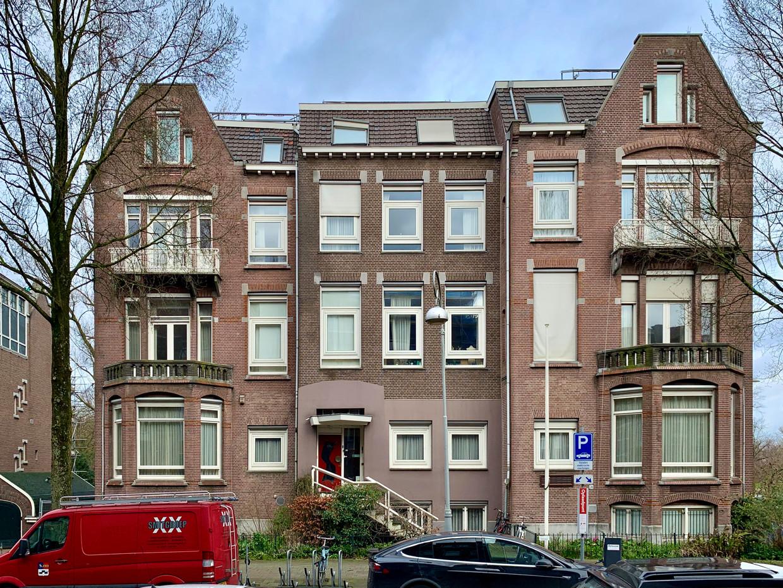 Van Eeghenstraat 70-72.