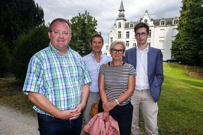 Mik Renders (uiterst rechts)