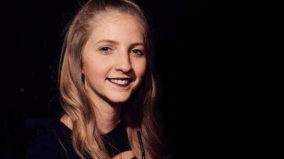 """Shana (19) krijgt boete omdat ze tijd van politie """"verspilde"""" in verband met stalker. De gevolgen zijn verschrikkelijk"""