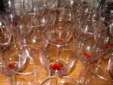 Wie is tientallen flessen wijn kwijt? Ze liggen op het politiebureau