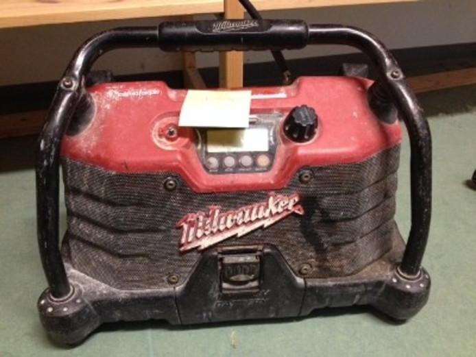 Mogelijk gestolen bouwradio van het merk Milwaukee