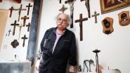 """Arthur van 'Schuif Af' verzamelt kruisbeelden als herinnering aan z'n jeugd: """"M'n vrouw wordt er helemaal gek van"""""""