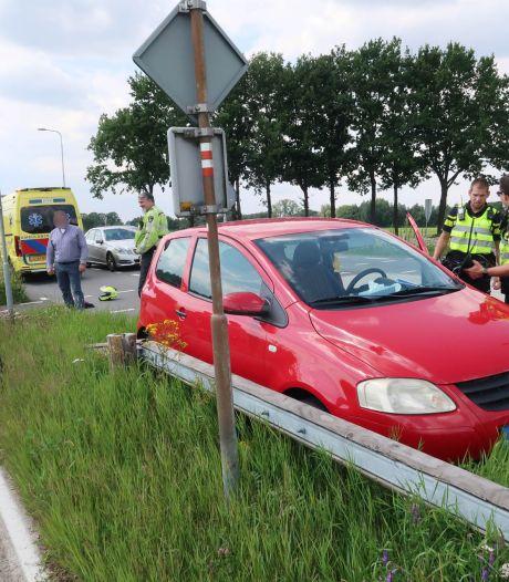 Overstekende fietser aangereden in Ulvenhout, slachtoffer met spoed naar ziekenhuis