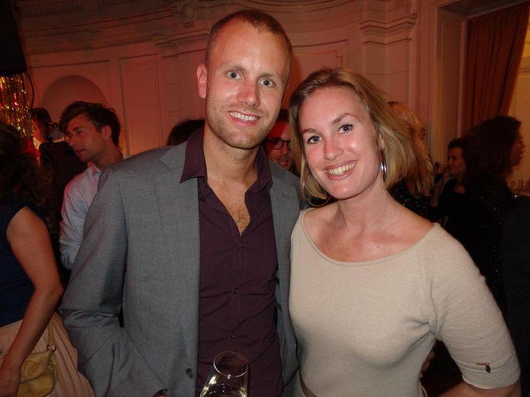 Jasper Rijpma (Hyperion) en Laura Polder (ROC-A). Nee, dat pak draagt Rijpma niet voor de klas Beeld Schuim
