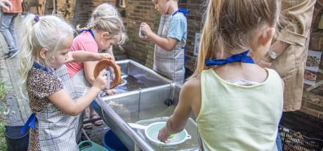 Eerste scholieren uit Nieuwleusen maken kennis met project Archeokuil