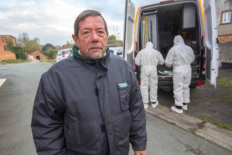 Buurman Roger Faveriau zag twee mannen in de vluchtwagen springen.