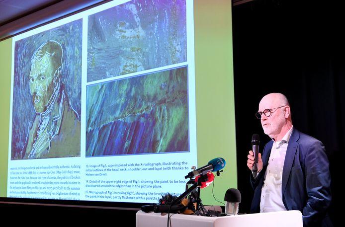 Onderzoeker Louis van Tilborgh vertelt over zijn onderzoek.