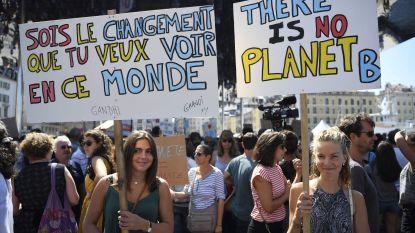 Honderden betogers aan EU-parlement eisen ambitieuzere maatregelen tegen klimaatverandering