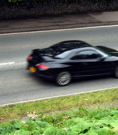 Mobiele flitsers op zes Tilburgse wegen: 'Hopen dat mensen hun gedrag aanpassen'
