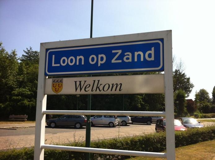 Plaatsnaambord Loon op Zand. Foto: BD