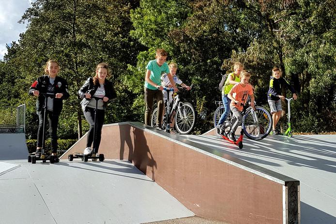 zevenbergen - 20180921 - kids vinden dat de skatebaan aan de kristallaan is verloederd.pix4profs/petervantrijen