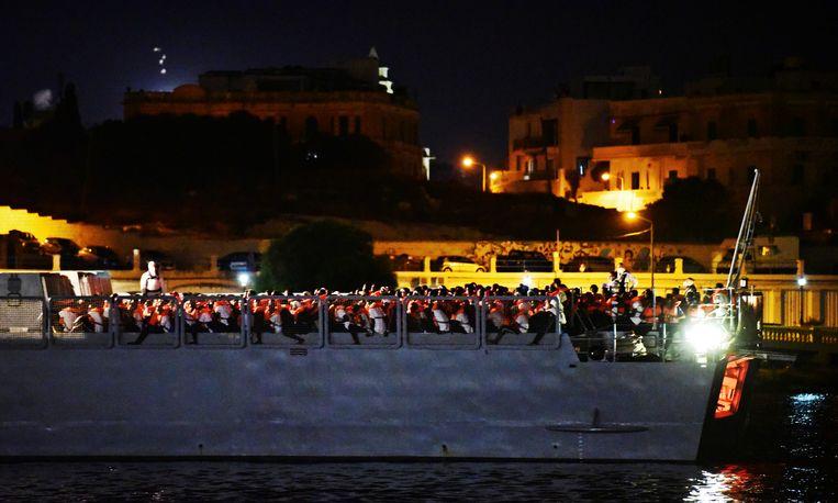 Vannacht is het ngo-schip Ocean Viking aangemeerd in Malta.