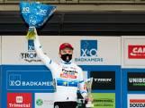 """Iserbyt wint in Kortrijk: """"Zat een halve wedstrijd met pedalen te spelen dankzij Michael"""""""