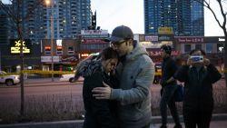 """""""Een kinderwagen vloog door de lucht"""": getuigen in shock na moordende tocht door Toronto"""