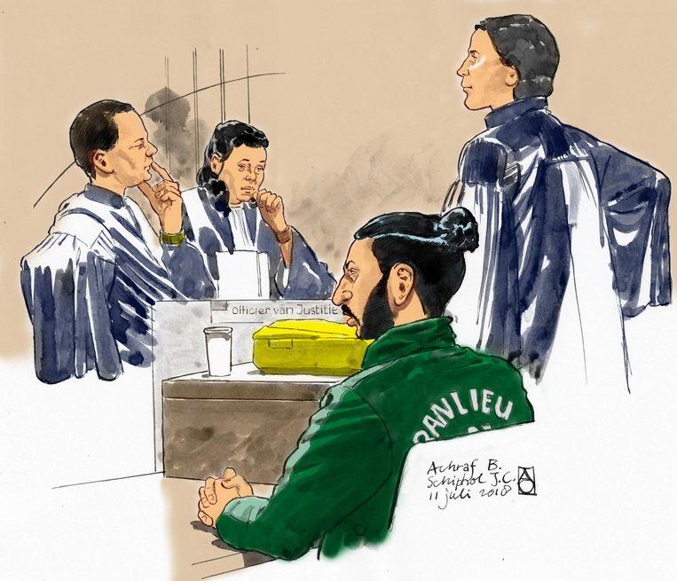 Rechtbanktekening van (VLNR) Officier van Justitie M. Kamper en N. Franken, verdachte Achraf B. en zijn advocaat Guy Weski. Beeld ANP