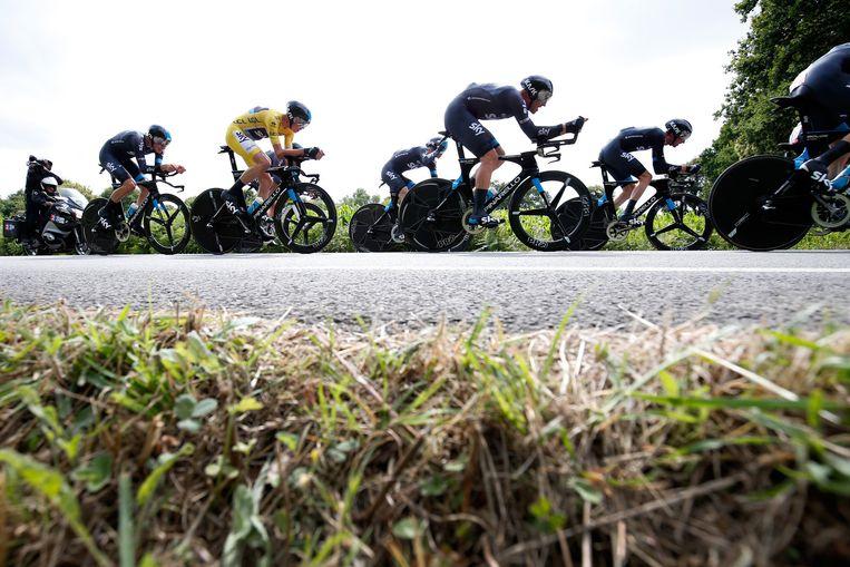 Team Sky in actie tijdens de negende etappe van de Tour de France tussen Vannes en Plumelec. Beeld anp