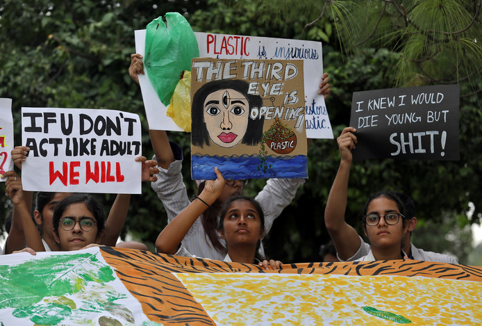 Studenten in New Delhi, India, nemen mee aan de wereldwijde 'Fridays for Future'-mars.