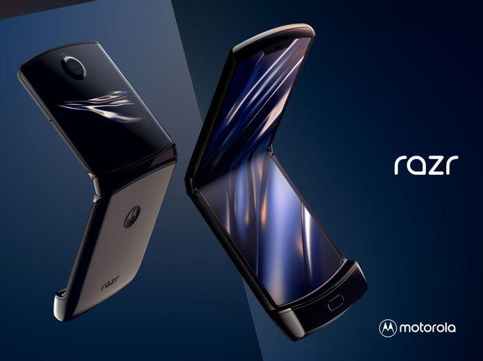 De Motorola Razr uitgeklapt.