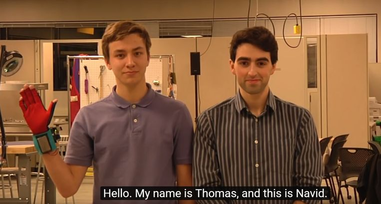 Studenten Thomas Pryor en Navid Azodi.