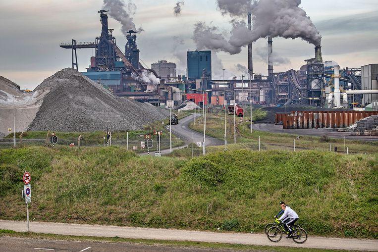 Hoogovens van Tatasteel bij IJmuiden. Beeld Guus Dubbelman / de Volkskrant