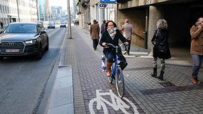 Uber laat klanten via app uitkijken voor fietsers voor ze uit auto stappen
