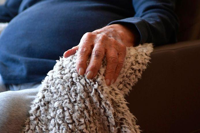 (Illustratiebeeld) Heel wat senioren in de woonzorgcentra zijn, ondanks alle maatregelen, toch besmet geraakt.