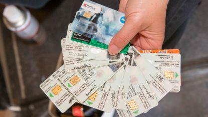 Geldnood dreef twintiger tot diefstallen, haalde 1785 euro af met gestolen bankkaarten