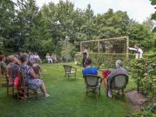 Creatief tuintheater in coronatijd