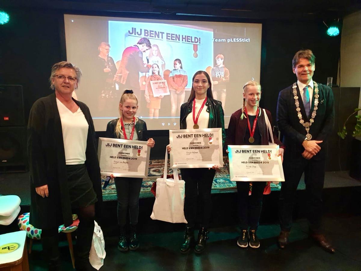 BREDA - De jeugdhelden van 2019: Dunya van Bergen, Guusje Hofman en Evi de Jongh.