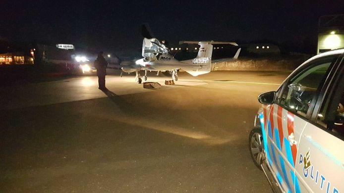 Het vliegtuigje met drugs dat op vliegveld Teuge landde.