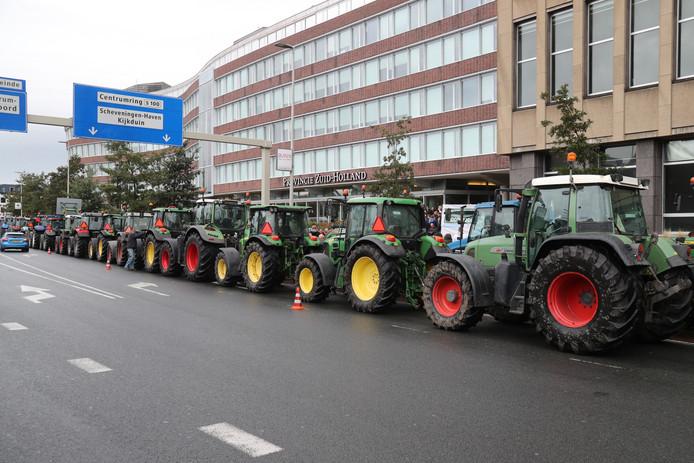Het boerenprotest bij het Provinciehuis in Den Haag.
