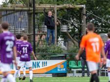 Voetballen of toch maar stoppen in coronatijd? Amateurclubs zijn verdeeld. 'Zo is het helemaal niks'