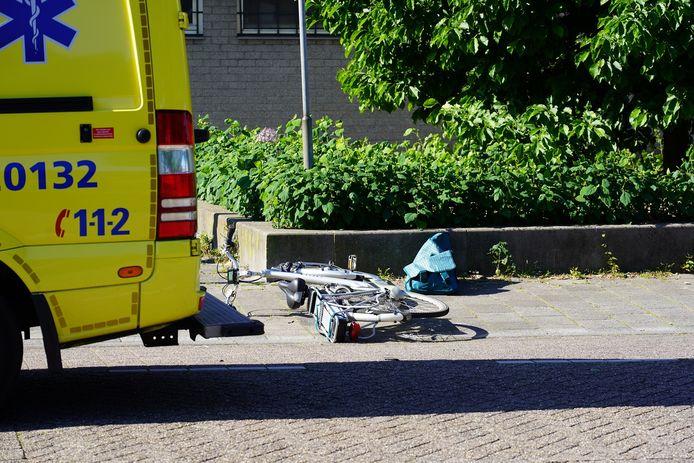 Een fietser raakte bij de aanrijding in Dongen.