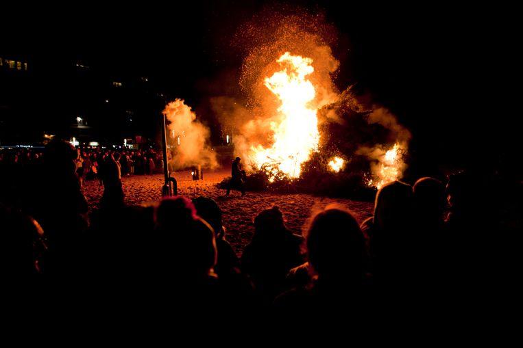Geen kerstboomverbranding op het strand dit jaar.
