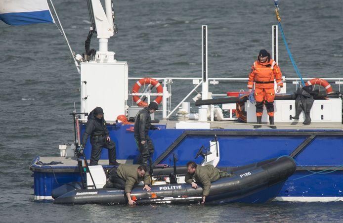 De zoektocht op het Grevelingenmeer naar de vermiste duiker.