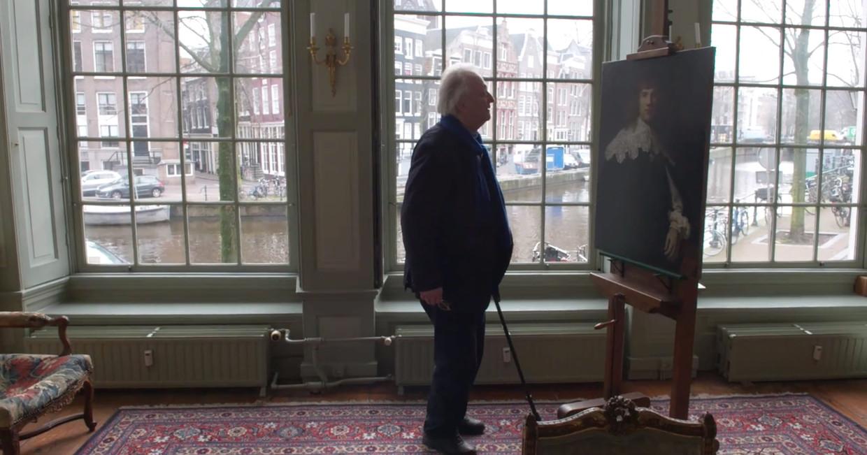 Still uit de docu Mijn Rembrandt. Hier Rembrandtkenner Ernst van de Wetering. Beeld