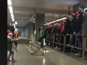 Une chorale dans le métro bruxellois