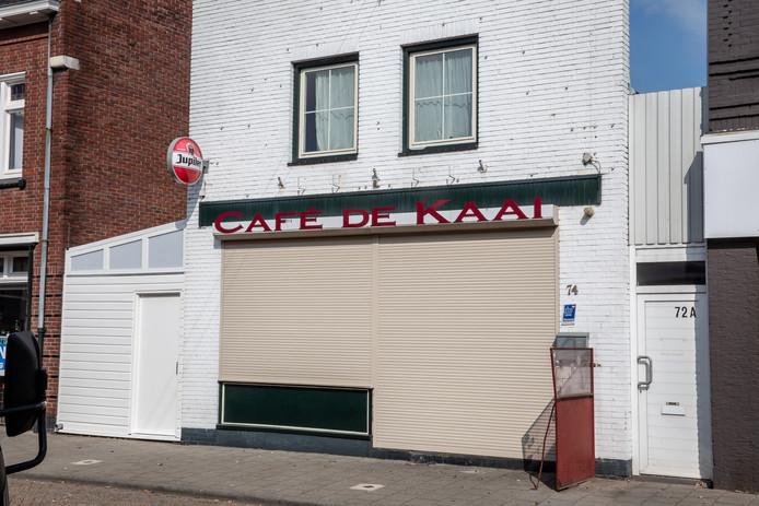 Het gesloten café De Kaai.