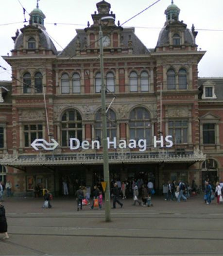 Politie schiet man neer op perron Den Haag