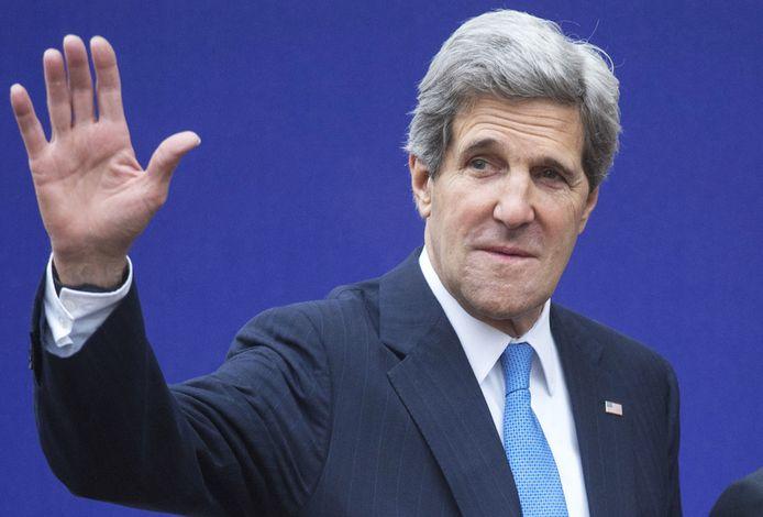 En avril dernier, à l'occasion du Sommet du G8 à Londres, John Kerry ne présentait pas encore un visage bouffi.