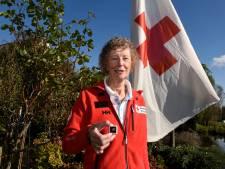 Joke zit al 50 jaar bij het Rode Kruis in Woerden:  'De tramaanslag is mij vooral bij gebleven'