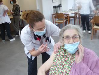 D-Day voor rusthuis Hof ter Veldeken: tachtig bewoners krijgen coronaprik