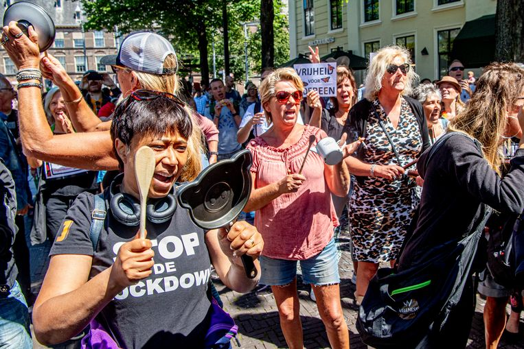 Een betoging van Viruswaanzin in Den Haag. Beeld Hollandse Hoogte /  ANP