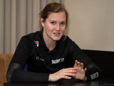 Longproblemen houden Zwolse schaatsster Lotte van Beek ook weg van NK sprint