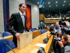 LIVE I Minister Hoekstra overhandigt koffertje aan Kamer