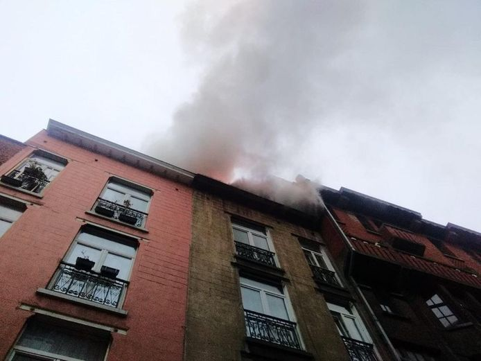 De brandweer werd opgeroepen vanwege sterke rookontwikkeling.